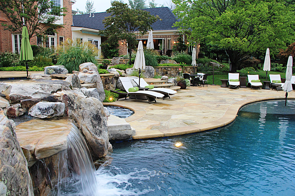 Pool Patio With Flagstone And Deep Blue Water VA. Stone ...