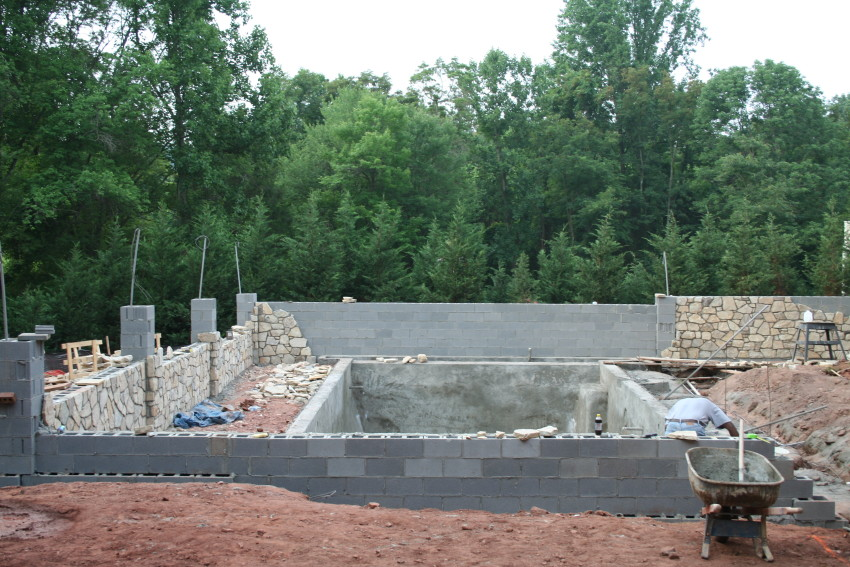 Foundation For Pools : Laying pool foundation