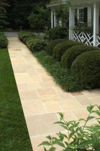 Desert Gold™ Pattern Flagstone Pathway
