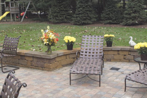 Paver patio and stone wall design in northern va