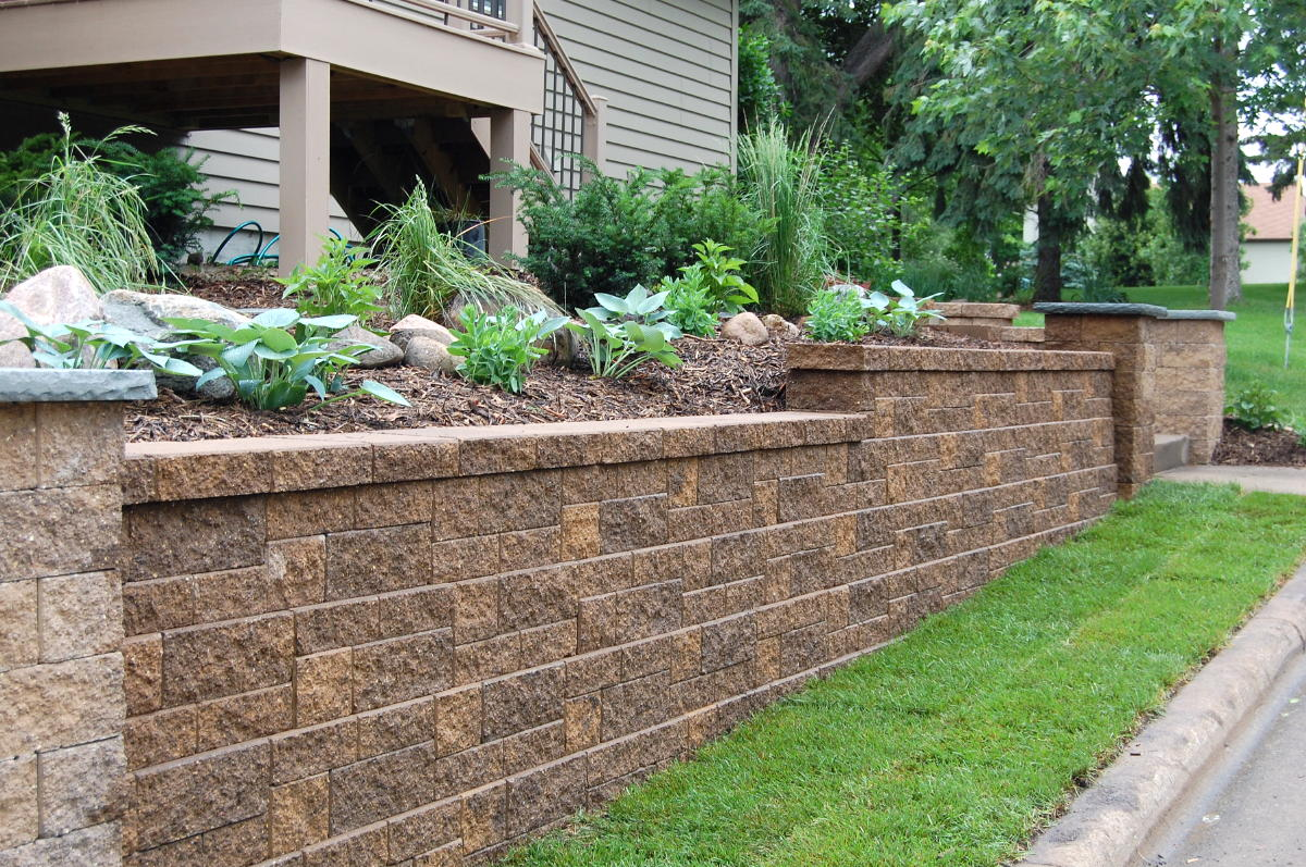 Block and stone retaining wall construction company north va for Garden wall designs