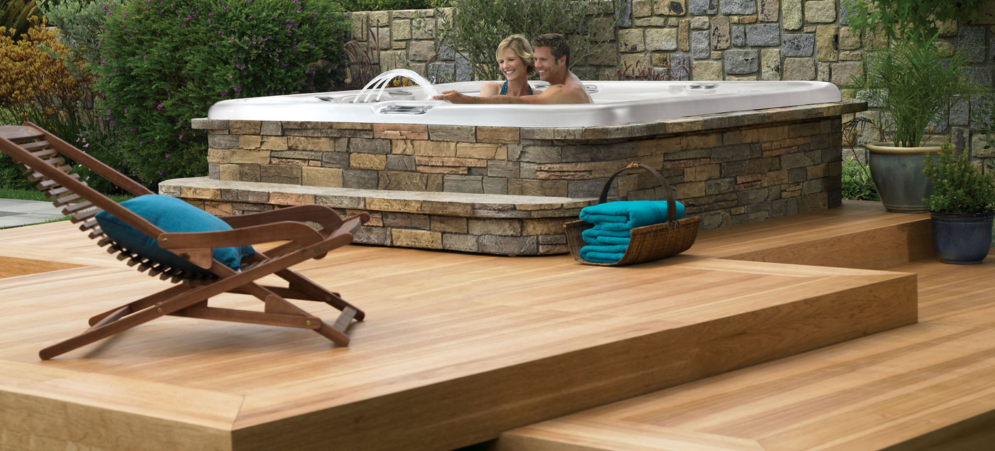 Enjoy A Nice Outdoor Jacuzzi For Memories With Your