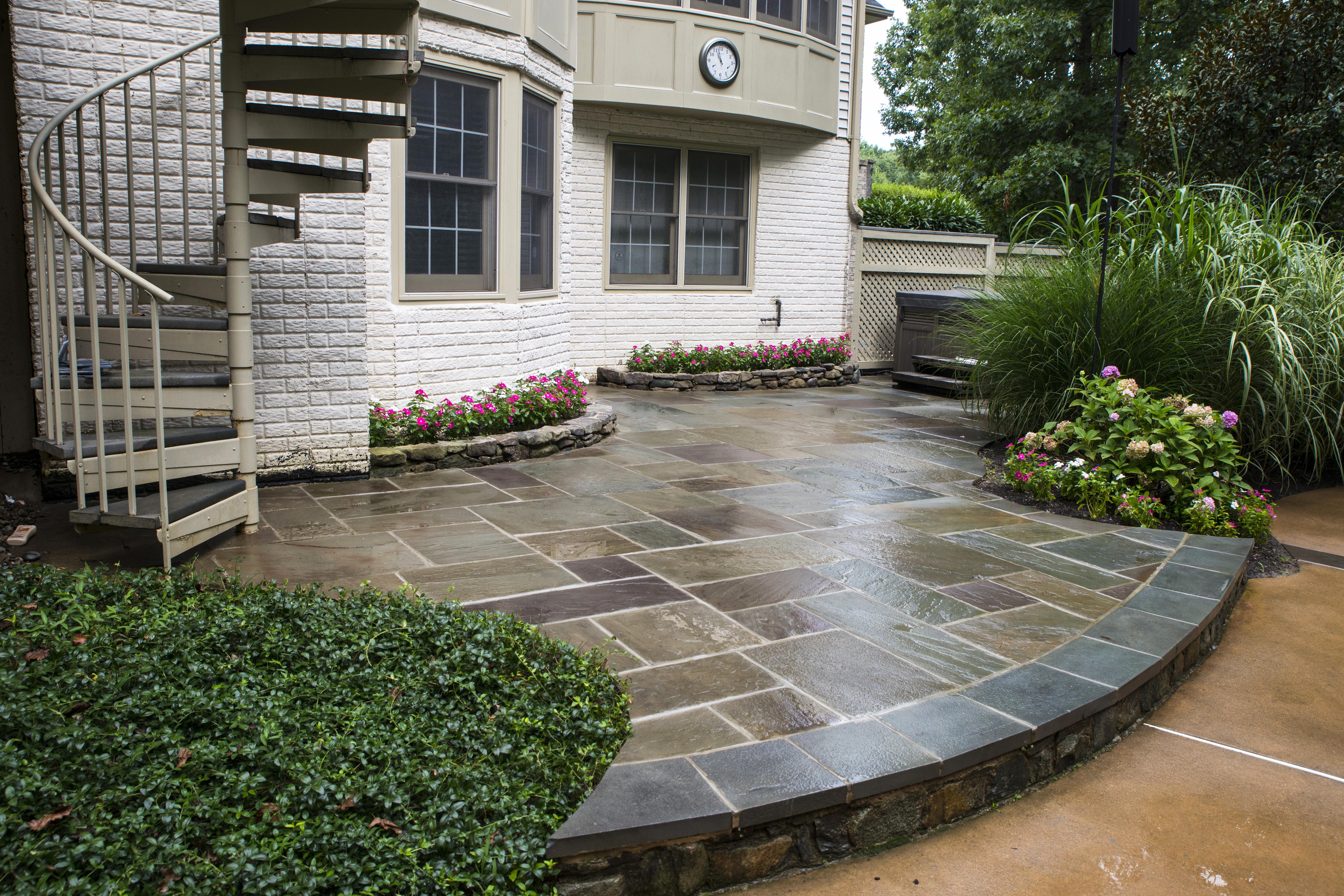 Stone Patios VA project Oakton VA Stone Patio Flagstone on Flagstone Backyard Patio id=14544