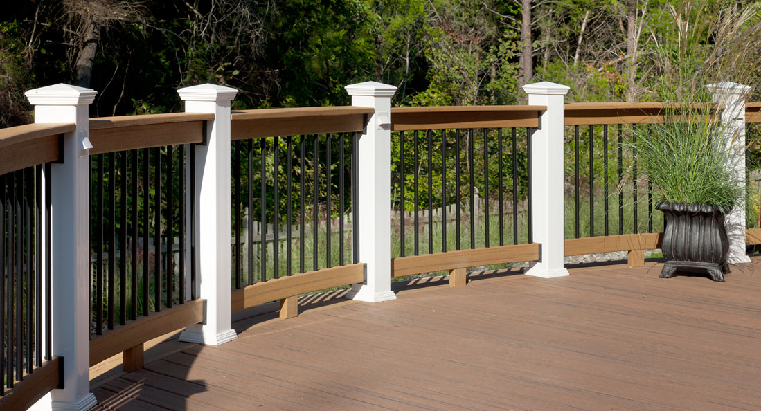 Custom deck north va fairfax composite deck stonepatiosva for Composite deck railing